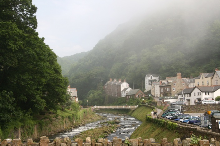 Lynmouth_with_the_fog_coming_in,_Exmoor,_Devon_(2545924662) (1)